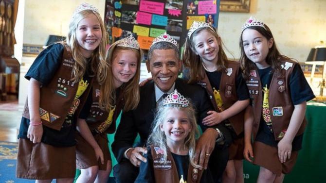 141228 Obama Wearing a Tiara