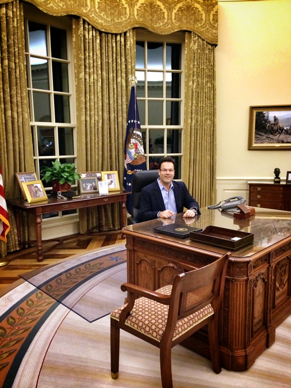 131109-HMG-Oval-Office